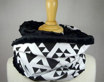 Choker / blanket and black and white geometric pattern jersey Snood