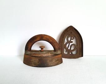 Antique Flat Iron . Cast Iron Sad Iron . Farmhouse Style . Rustic Cabin . Howell Iron . Enterprise Trivet . Vintage Sad Iron . Wood Handle