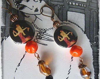 "Art Deco ""TANGO"" earrings pearls porcelain illustrated couple 1930, copper metal, Czech glass, Indian glass"