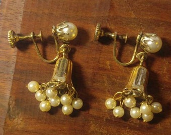 Dangling Bell of Faux Pearls Screwback Earrings