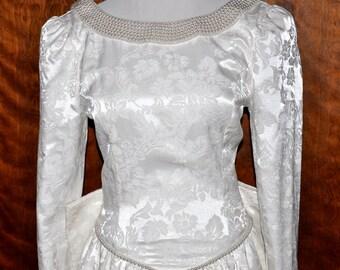 Vintage Jessica McClintock Brocade Wedding Gown, White Brocade Bridal Gown, Brocade and Pearl Bride Gown, Vintage Brocade Bridal