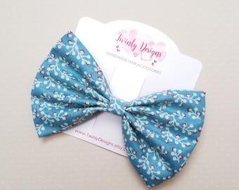 Denim Blue Fabric Hair Bow, Blue Print Hair Bow, Denim Blue Bow, Girls Hair Bow, Girls Bow, Toddler Bow, Girls Hair Clip, Girls Barrette