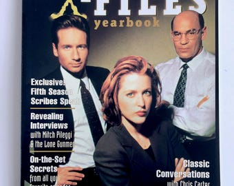 X-Files Yearbook, Collectors Edition, Cinescape, Mulder, Scully, Cigarette Smoking Man, Lone Gunmen, Behind the Scenes, X-Files Conspiracy