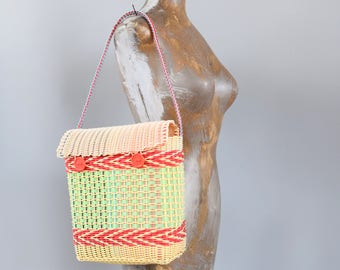 Vintage Woven Plastic Mexican Hand Bag