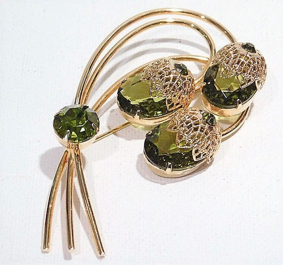 Mid Century Rhinestone Brooch Juliana DeLizza Elster for Sarah Coventry Peridot Rhinestone Acorn Touch of Elegance 1960s Fashion Jewelry