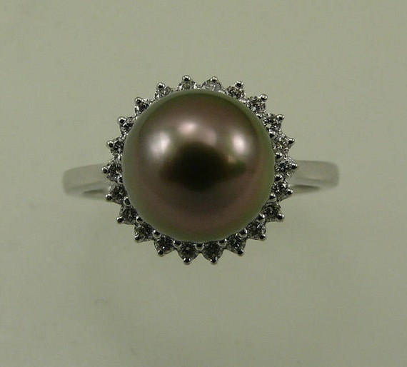 Tahitian Black Pearl 9.2mm Ring, 18k White Gold and Diamonds 0.19ct