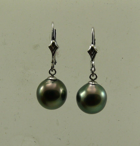 Tahitian Drop Shape Pearl Earrings with 14k White Gold Lever back