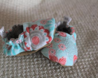 Flowered Girls Handmade Soft-Soled Baby Booties