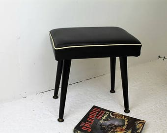 1960's Stool/Vintage Black Stool/Vintage Furniture/Kitch Stool (Ref1961V)