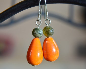 Orange drop earrings / Green