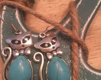 Vintage Tibetan Cat Earrings.Bohemian Natural Stone Earrings,Cat,Kitty Earrings,turquoise stone