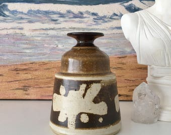 "Vintage Brown and Cream Abstract Studio Art Pottery Stoneware Earthenware Vase 5"" Signed"