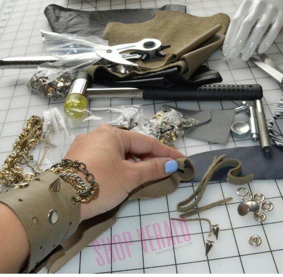 VERALU Leather cuff bracelet (tan)