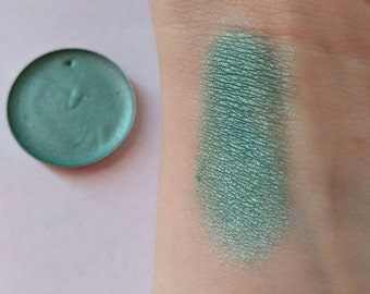 BRIGHTWING ~ blue green duochrome eyeshadow, vegan beauty product, cruelty free cosmetics, color shifting eye makeup, mermaid makeup