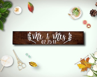 Mr and Mrs sign, Wedding signs, Wood Sign, Rustic wedding gift for couple, Wedding Gift, Custom Wood Sign, Engagement Gift, Gift for Couple