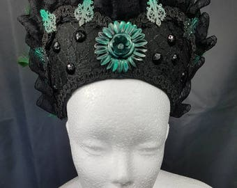 Green and Black Burlesque Kokoshnik/green black Frenchhood with feather trim and lace
