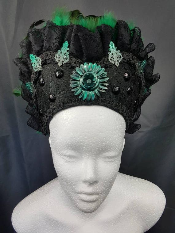 Green and black Burlesque Kokoshnik / Green Black Frenchhood with feather trim and lace