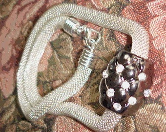Vintage Silver Mesh Necklace-Like New Condition-Great Gift Idea