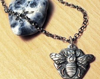 Silver bee pendant