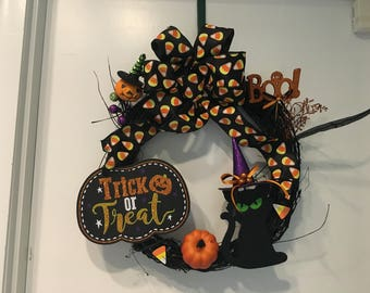 Trick or Treat Wreath with Black Cat