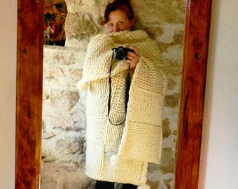 Chunky White Throw. Hand Made Blanket. Bulky Knit Throw. Chunky Wool Knit. Country House White Blanket. Wedding gift. Housewarming gift.