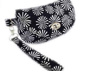 Black and white daisies women's wristlet black wristlet purse with zipper pocket twist lock hardware wristlet clutch fabric bag