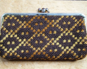 Vintage Welsh Wool Tapestry Woven Coin Change Purse in Brown