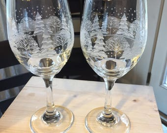Arby's Set of 2 Libbey Winter Trees Wine Glasses