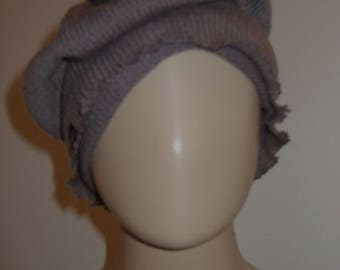 P' little hat Beanie beret in beautiful yarn taupe soft