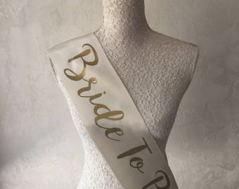 Bride To Be Sash, Bridesmaid Sash, Bridal Sash, Custom Sash, Personalized, Maid of Honor, Bridal Gift, Wedding Sash,Bachelorette Sash, SSM13