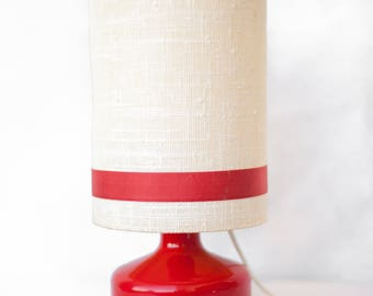 Bedside lamp vintage ceramic foot red with white fabric Lampshade with Red Ribbon - table vintage lamp