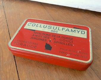 Medicine tin, medical box, French tin, French box, old tin, old box, tin box, vintage tin, French metal medicine box, tin gift, vintage box