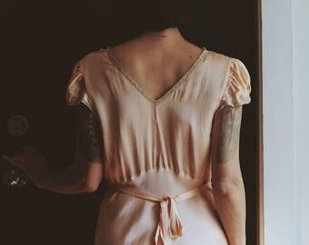 1930s Bias Cut Slip / 1930s Lingerie / 1930s Peachy Pink Slip / 1930s Nightgown / Cap Sleeves / Vintage Maxi Slip