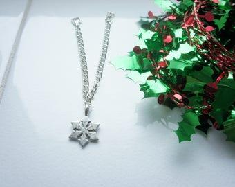 holidays gift, christmas present for her, stocking filler, snowflake bracelet, snowflake charm bracelet, christmas gift