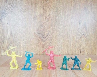 Vintage Plastic Indian and Military Toys Little Indians and Soldiers Toys Vintage Plastic  Collectibles Plastic Vintage Toys Miniature Toys