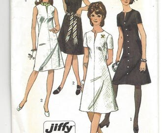 "Vintage 1970 Pattern Simplicity 9221, Misses Jiffy Simple to Sew Dress pattern.  Retro 70's dress pattern.  Size 14, bust 36"""