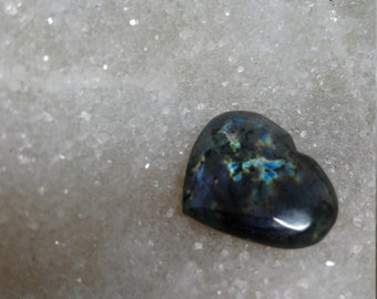 Blue Labradorite and Rainbow 23,96 Gr-heart