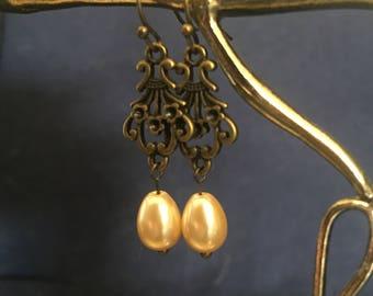 Cream-Colored Pear Faux Pearl Earrings