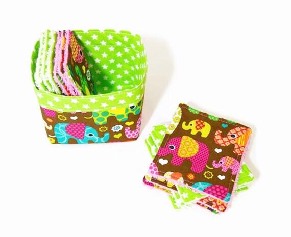 lingettes lavables b b en coton et ponge dans leur panier. Black Bedroom Furniture Sets. Home Design Ideas