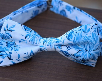 Floral bow tie, white blue bow tie, groomsmen bow tie, groom bow tie, wedding bow tie, photo shoot bow tie, father son bowties