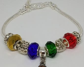 Hogwarts School of Witchcraft and Wizardry - Harry Potter Themed Charm Bracelet