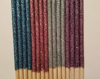 25 Glittery candy apple sticks