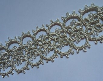 "Hand-Tatted Bracelet ""Silvery Spark"" with Carabiner Clasp – Romantic, Bridal, Vintage, Retro, Wedding, Antique"