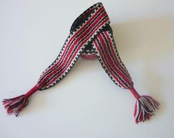 Hand woven belt, 71,65 inch long by 1.38 inch fine wool yarn