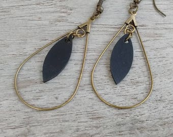 Drop earrings in bronze and sequin in recycled bicycle inner - dangle earrings - Bronze - Black Sequin