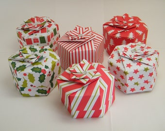 Set of 6 hexagonal origami boxes of Christmas