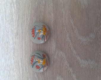 Set of 2 vintage buttons paint by hand