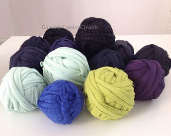 Set has 36 Trapilho 700g to 1000g multicolor yarn