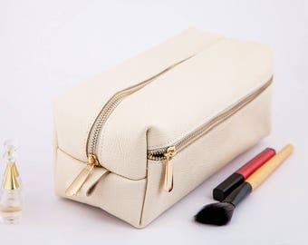 Toiletry Bag Leather Dopp Kit Leather Woman Wash Bag Leather Cosmetic Bag Personalized Leather Toiletry Bag Personalize