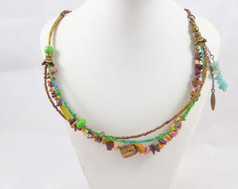 Ethnic chic necklace in gemstones and bronze